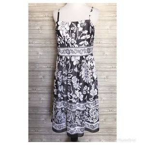 4 for $44 White House black market floral dress